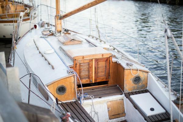 czarter łodzi latem