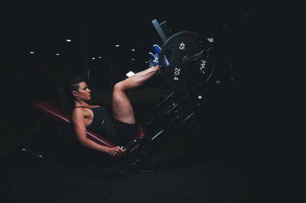 nowy profesjonalny sprzęt do siłowni hammer strength