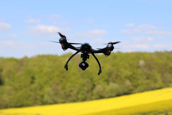 sportowe drony