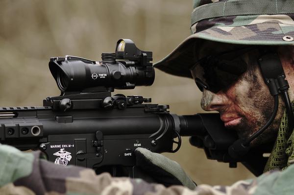 albumy militaria
